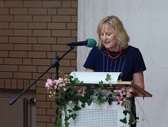 Abschiedsrede von Frau Schäfer©Helen-Keller-Schule