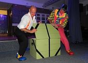 Clowns führen durch das Programm