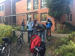 Teilnehmer vor der Unterkunft in Mardorf