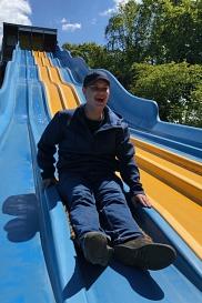 Martin auf der Riesenrutsche