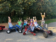Motorisierte Schüler des P-Stufen-Projekts